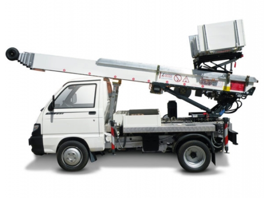 easy-24-paus-truck-lifts-splash-600x450.jpg